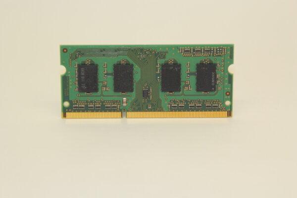 Samsung 2GB DDR3 1333MHz PC3-10600-09-10-ZZZ Notebook Speicher RAM M471B5773CHS-CH9