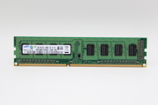 Samsung 2GB DDR3 1333MHz PC3-10600U-09-10-A0 PC Speicher RAM M378B5773CH0-CH9