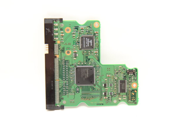 Quantum HDD PCB Festplattenelektronik 10-122329-07 Main IC: D8915GJ Motor IC: MS311B7