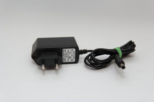 OEM 9 Watt Netzteil 9V 1A Stecker 5,5mm/2,3mm