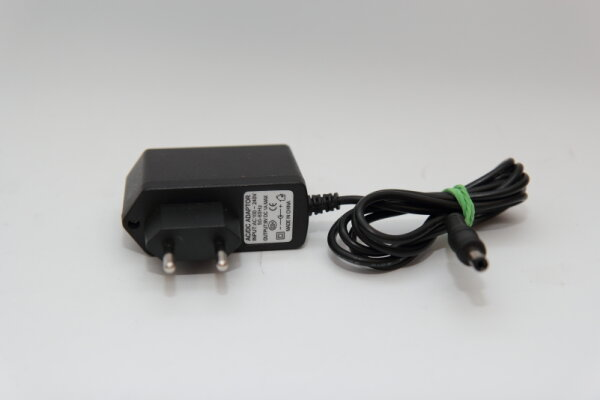 OEM 9 Watt Netzteil 9V 1A Stecker 5,5mm/2,5mm