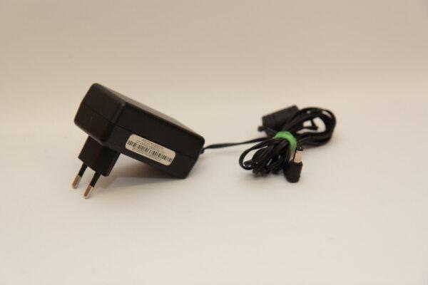 Genesis Science Technology Limited 18 Watt Netzteil 12V 1,5A Stecker 5,5mm/2,5mm GT-WAAU12000150-103