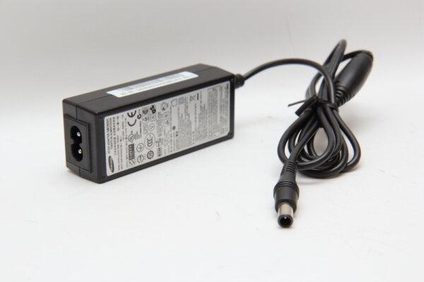Samsung Original 30 Watt Netzteil 14V 2,14A Stecker 6,1mm/4,1mm mit Innenstift PN3014 BN44-00394A