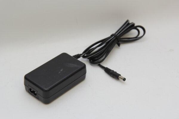 macally 15 Watt Netzteil 5V 3A Stecker 5,5mm/1,9mm SPR-218FD-05A