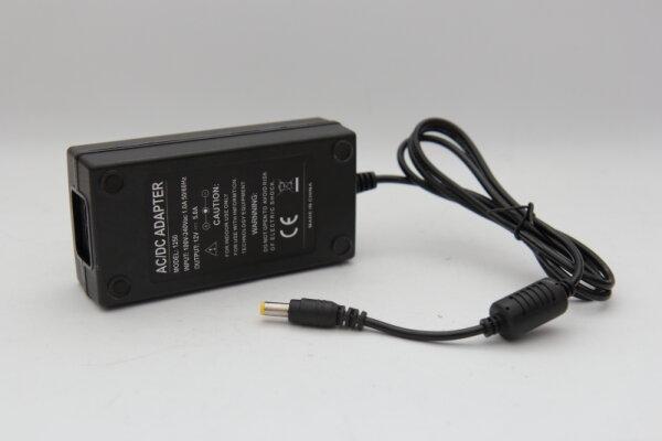 60 Watt Netzteil 12V 5A Stecker 5,5mm/2,1mm 1250