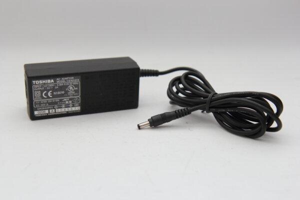 Toshiba Original 15 Watt Netzteil 5V 3,0A Stecker 3,9mm/1,5mm CEX0107A